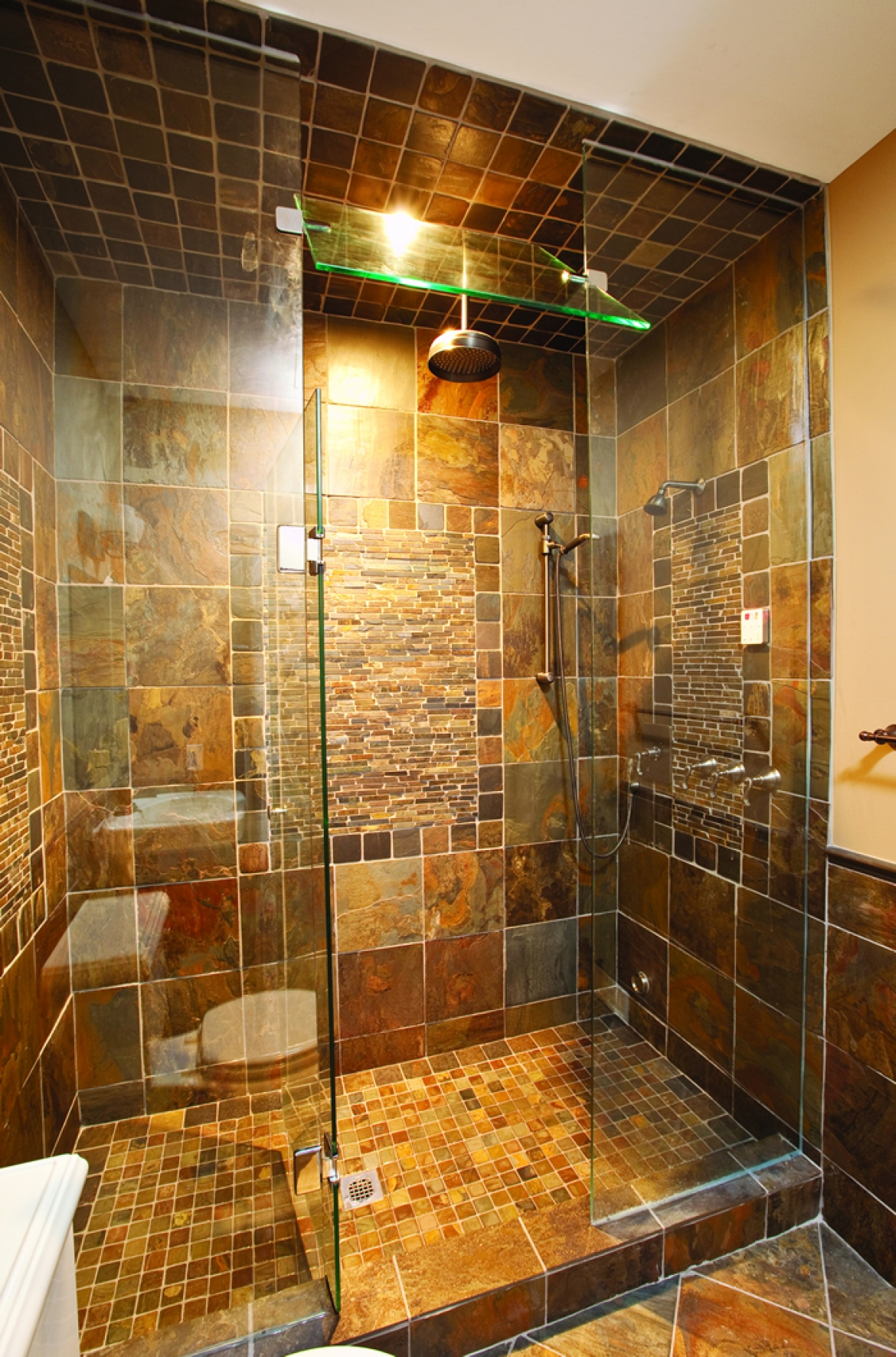 Make the Most of Small Bathrooms | Great American Floors